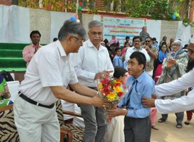 Certificate Distribution Ceremony 7